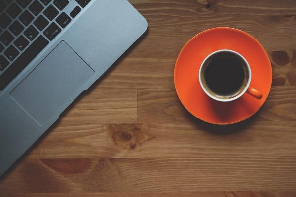 cup-of-coffee-laptop-office-macbook-89786